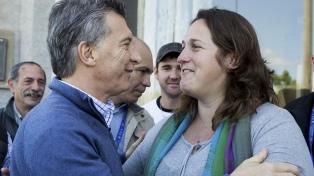 Fuera de agenda, Macri visitó el club deportivo 25 de Mayo en Morón, donde habló con vecinos