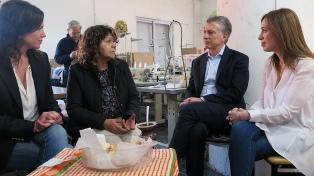 Macri visitó una cooperativa textil en Berazategui