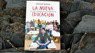 """""""La familia es el primer órgano educativo"""", asegura César Bona"""