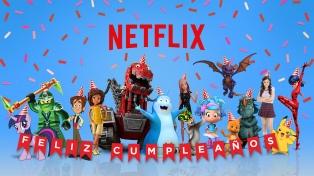 """Los personajes de las series de Netflix le cantan el """"feliz cumpleaños"""" a los niños"""