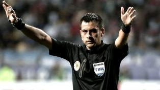 Cambió el árbitro del partido River-Wilstermann por lesión del chileno Tobar