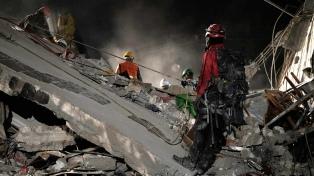 El presidente argentino expresó su solidaridad ante la catástrofe en México