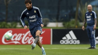 Sampaoli observará en vivo a Messi en el Barcelona - Chelsea