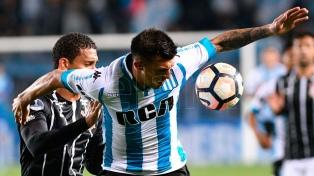 Racing recibe a Corinthians en busca de los cuartos de final de la Copa Sudamericana