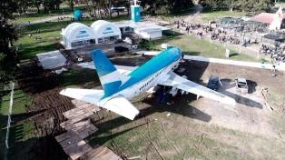 Inauguraron una réplica de un aeropuerto en la República de los Niños