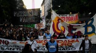 Miles de estudiantes secundarios requirieron ante el Ministerio la postergación de la reforma educativa