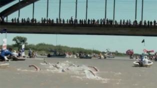 """""""Crol"""", un documental sobre la natación y los nadadores que surcan ríos en Santa Fe"""