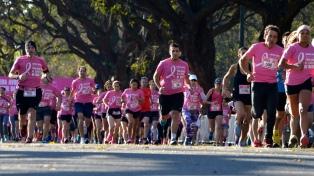 Unas 12.000 personas participaron de la 13° edición de la caminata Avon contra el cáncer de mama