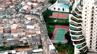 Casi la mitad de la población mundial vive con menos de 5,5 dólares diarios