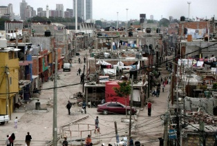 Hallaron tres cadáveres en el Barrio 31 de Retiro y se investiga un ajuste narco