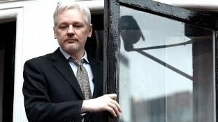 """El Gobierno seguirá dando asilo a Julian Assange """"mientras peligren sus derechos"""""""