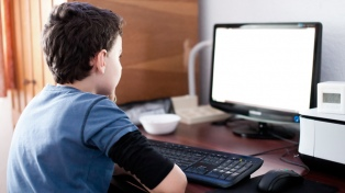 A 30 años de su nacimiento, la web es un espacio más inseguro, dicen los especialistas