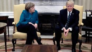 Merkel llega a Washington para salvar el acuerdo nuclear y la multilateralidad