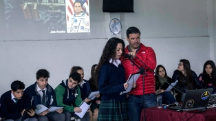 Estudiantes secundarios conversaron con un astronauta