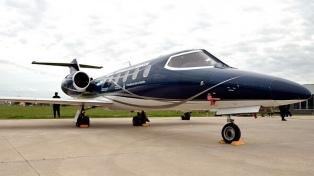 Bullrich entregó el avión que era de Lázaro Báez a la Policía Federal