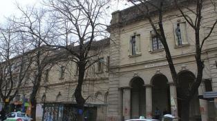 La intensa lluvia provocó filtraciones en los techos del Hospital de Niños