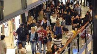 Las ventas en comercios minoristas cayeron 10% en octubre