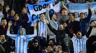 La FIFA volvió a multar a la AFA por cantos homofóbicos de los hinchas