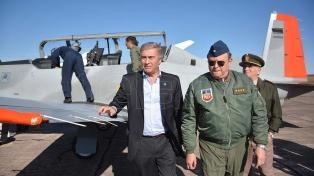 Argentina recibe 20 helicópteros comprados en Italia, que serán destinados al Ejército