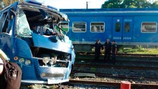 Un muerto y dos heridos graves por arrollamiento de un tren a transporte de detenidos
