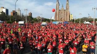 Miles de personas participaron de la maratón solidaria de la Universidad Nacional de La Plata