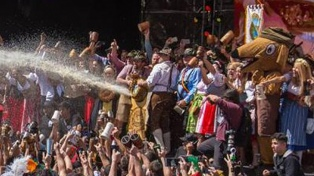 La cerveza reina otra vez en Villa General Belgrano con la apertura del Oktoberfest 2017