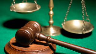 Rige la ley que regula los honorarios de abogados y procuradores