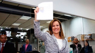 Renuncia a su postulación la candidata independiente a la presidencia