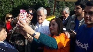 Piñera aventaja a Guillier en los sondeos a 20 días del balotaje
