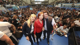 Cristina Kirchner le reclamó a Vidal que abra dos hospitales y una universidad
