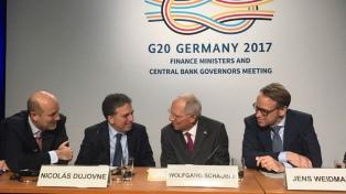 """Dujovne destacó el """"consenso"""" de los países con la agenda presentada ante el G-20"""