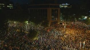 Catalanes protestan por la prisión a independentistas y la Justicia declara ilegal el referéndum
