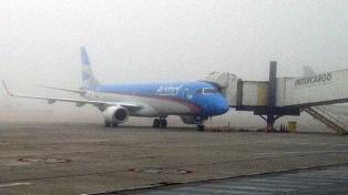 La tormenta causó suspensiones en trenes y Aeroparque, y cortes de luz