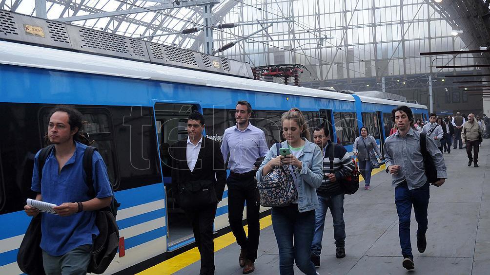 Cerca de 200.000 pasajeros afectados por una protesta en la línea Roca