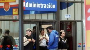"""Allanan un centro mayorista de compras en el marco de la causa que investiga al """"Pata"""" Medina"""