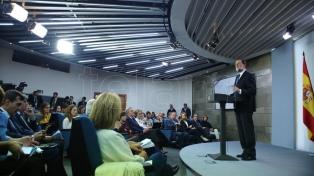 Rajoy quiere el cese de Puigdemont y convocar elecciones en Cataluña