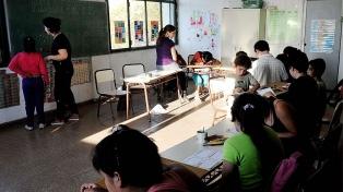 Se dictan clases donde se vota, en territorio bonaerense