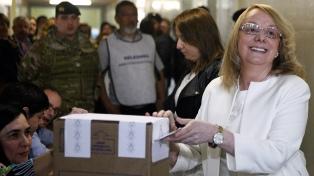 """Alicia Kirchner: """"La provincia nos necesita a todos más allá del resultado de esta elección"""""""