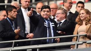 Maradona estuvo presente en el partido del Tottenham Hotspur