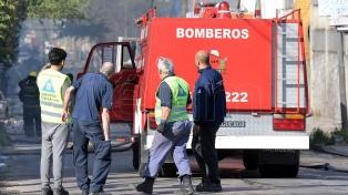 Seis heridos por un incendio en una fábrica de adhesivos en San Justo