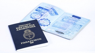El pasaporte argentino permite viajar sin visa a 144 países