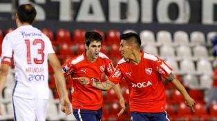 """En Paraguay la prensa dijo que Independiente """"apabulló"""" a Nacional y quedó """"muy cerca"""" de semifinales"""