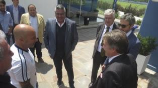 Tapia se reunió con el embajador ruso por la seguridad de Messi