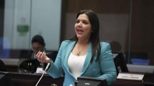 La Asamblea Nacional designó vicepresidenta del país a María Alejandra Vicuña