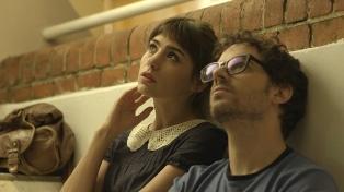 """Se estrenó """"Veredas"""", una amable y angelada comedia romántica sobre dos perdedores"""