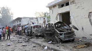 Al menos siete muertos tras un doble atentado con coche bomba