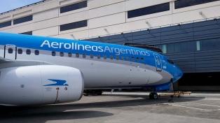 No descartan denunciar penalmente a los aeronáuticos en paro, que dejaron más de 100 vuelos en tierra