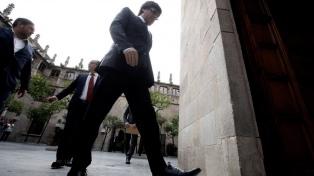 El Parlamento catalán cambió una ley para designar presidente a Puigdemont a distancia