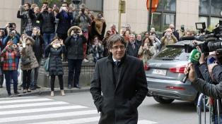 Acorralado por la Justicia española, Puigdemont lleva a Europa su plan independentista