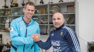 """Sampaoli recibió a Orsanic, antes de dar la lista de los """"locales"""""""